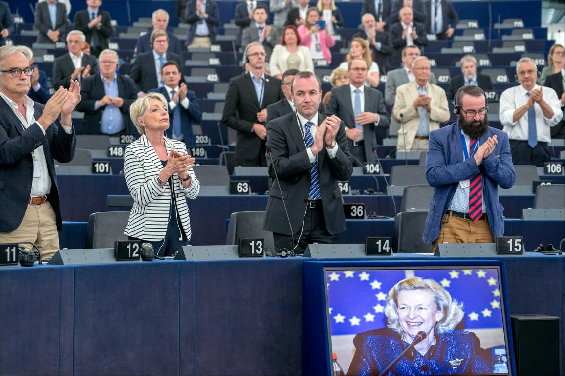 """Tribute to the late Nicole Fontaine during the opening of the plenary session by President Antonio Tajani: """"We have to remain a landmark, a lighthouse for fundamental rights : this was Nicole Fontaine's belief"""""""