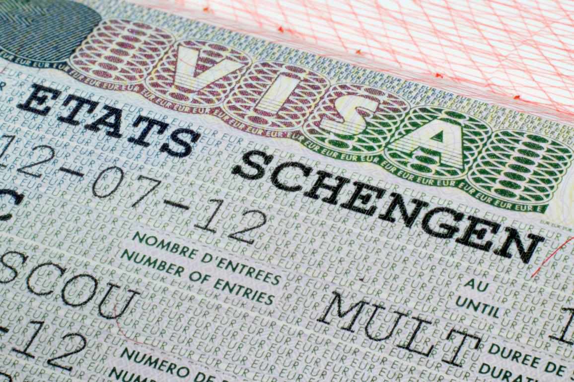 Schengen visa in passport ©AP Images/European Union-EP