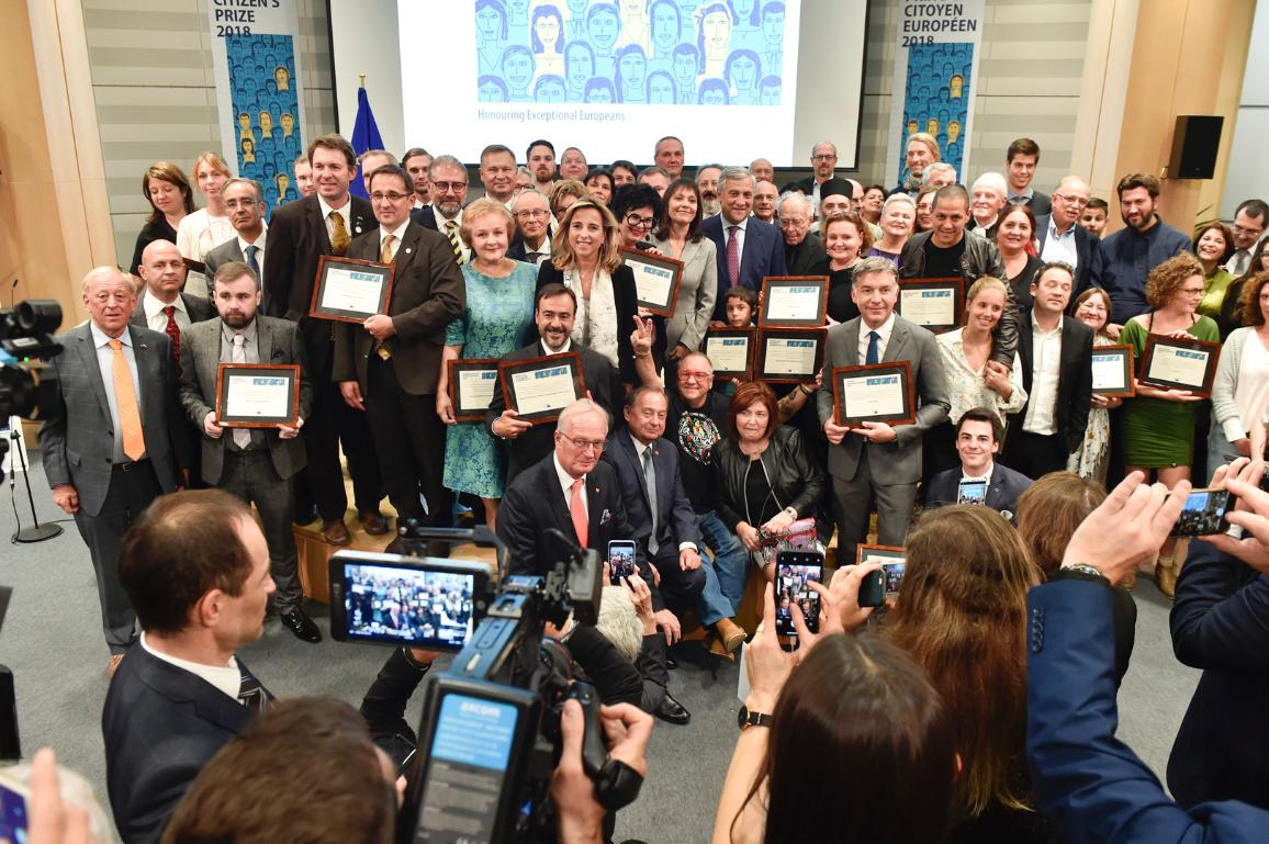 Family photo of the European Citizen's Prize 2018 with VP Sylvie Guillaume
