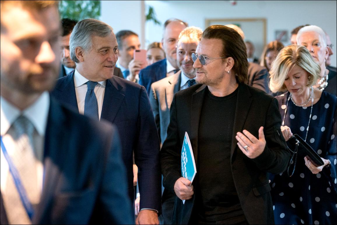 Боно и председателят на Парламента Антонио Таяни