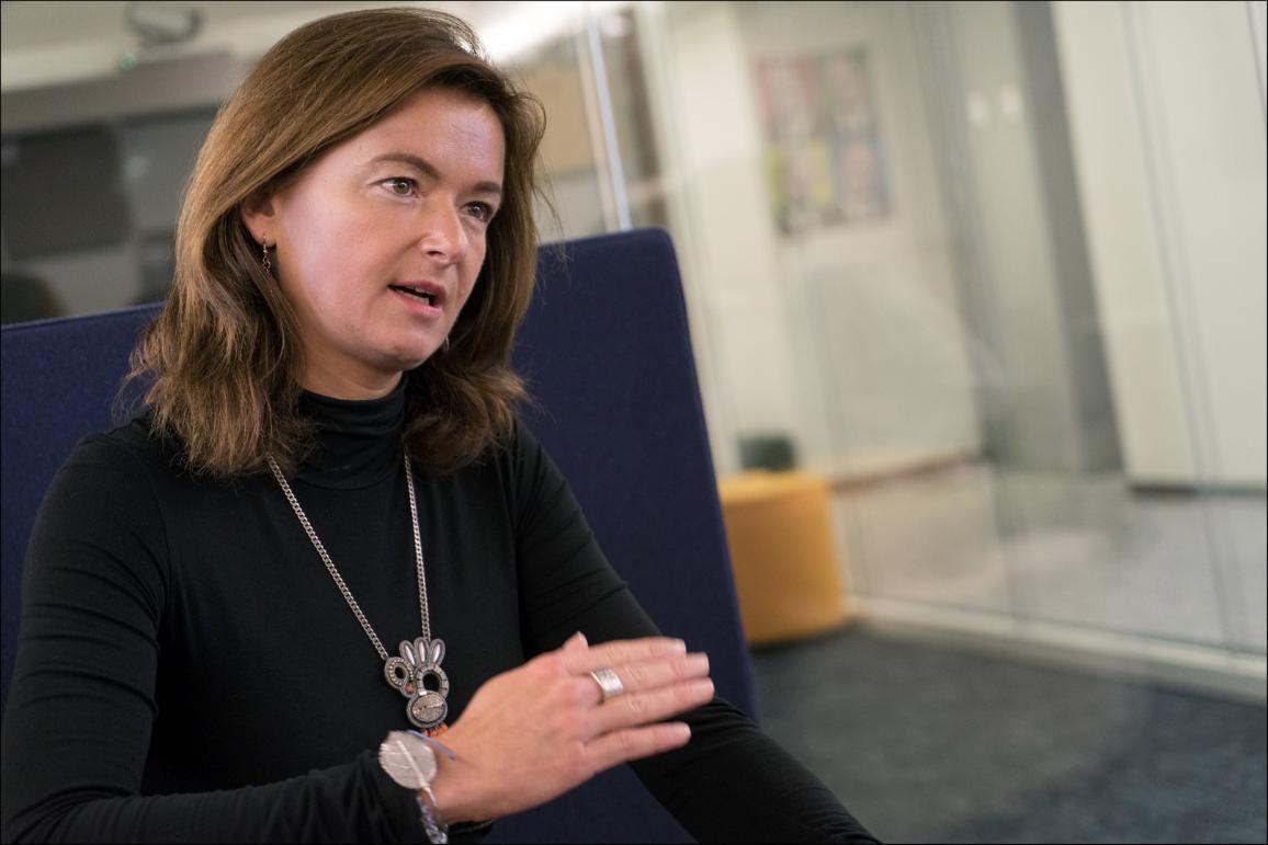 Tania Fajon počas rozhovoru