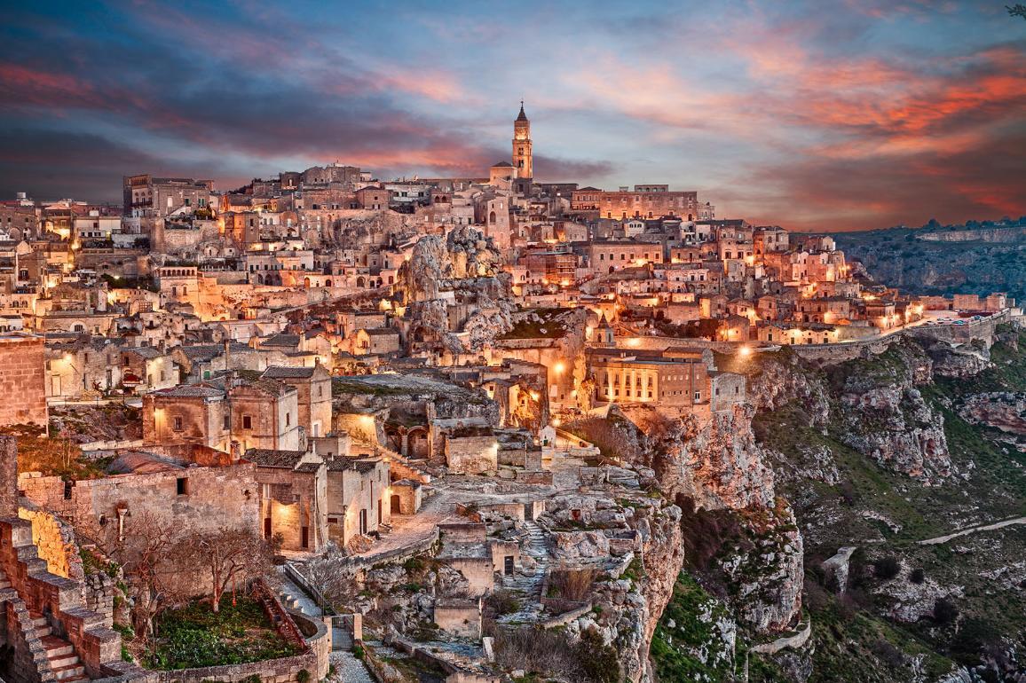 Una panoramica della città italiana Matera, capitale europea della cultura del 2019
