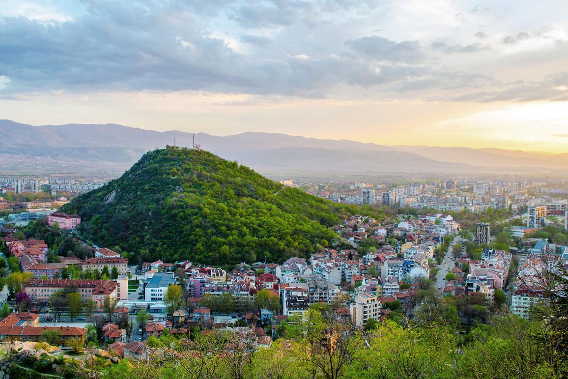 Il tramonto sulla città bulgara Plovdiv, capitale europea della cultura del 2019