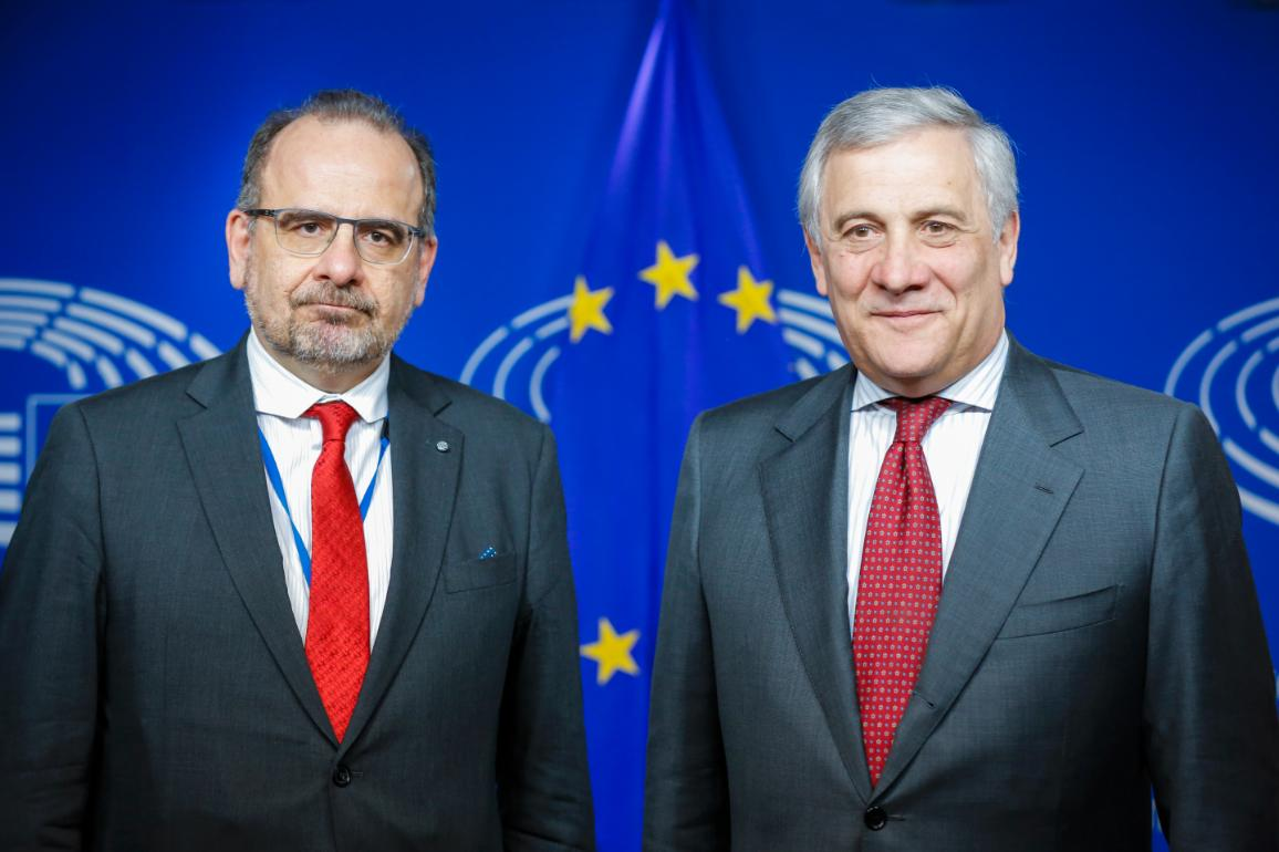 EP President Antonio Tajani and EESC President Luca Jahier after the signature of the agreement ©European Parliament