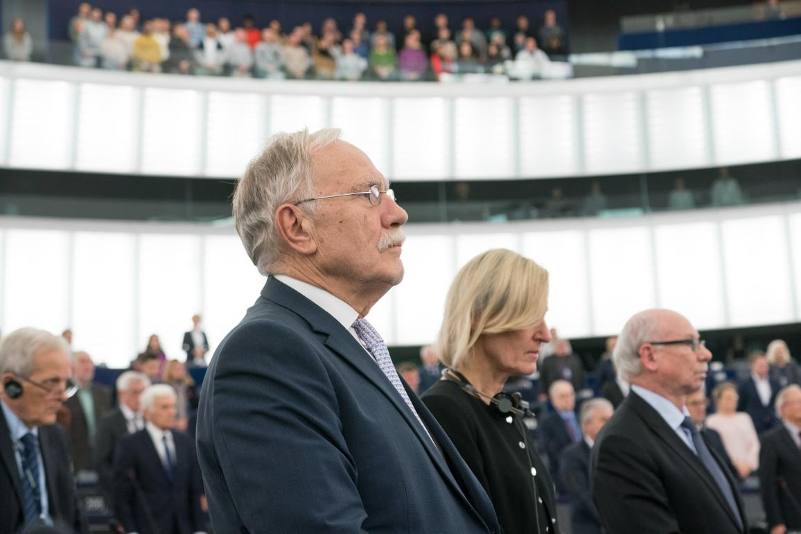 "Opening - Minute of silence in memory of victims of violence across Europe CC-BY-4.0: ""European Union 2019 - Source: EP"""