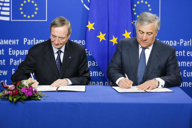Ο πρόεδρος του Ευρωπαϊκού Κοινοβουλίου Tajani και ο πρόεδρος των Ευρωεπιμελητηρίων (Eurochambers) Leitl υπέγραψαν την Τετάρτη σύμφωνο συνεργασίας για τις Ευρωπαϊκές Εκλογές.