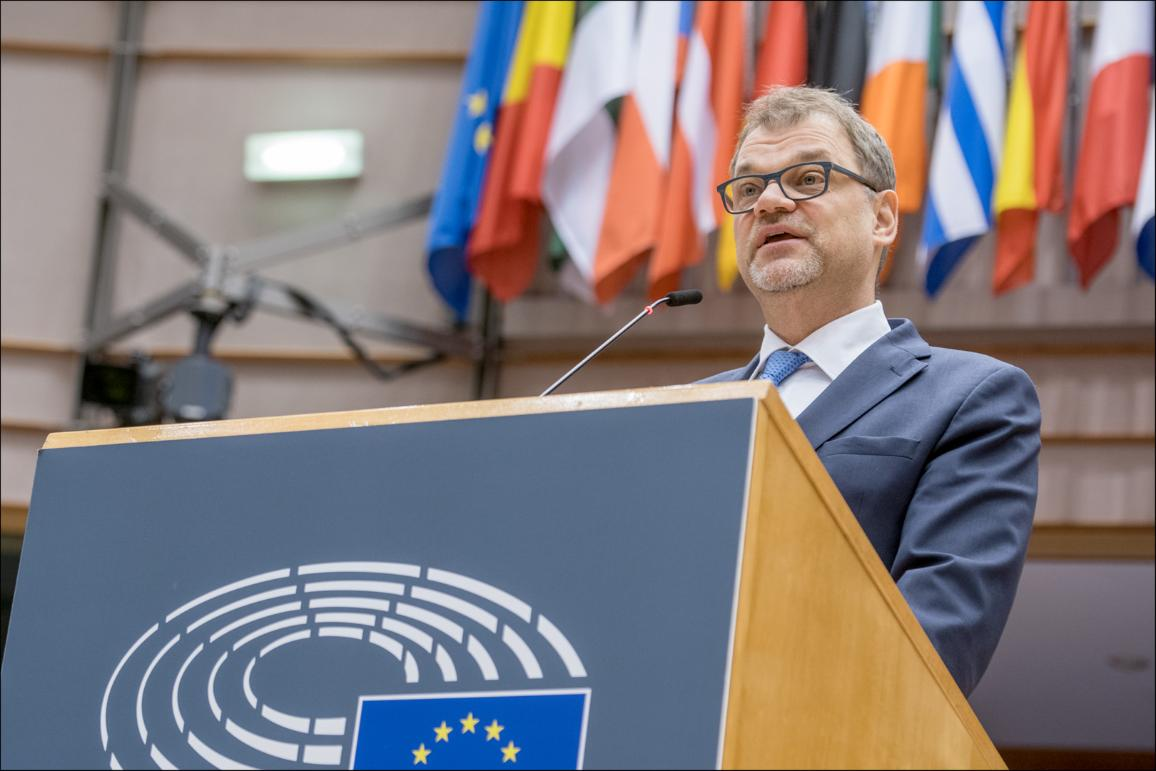 "Finland's Prime Minister Juha Sipilä debates the future of Europe in the European Parliament plenary chamber. ""CC-BY-4.0: © European Union 2019 – Source: EP"""