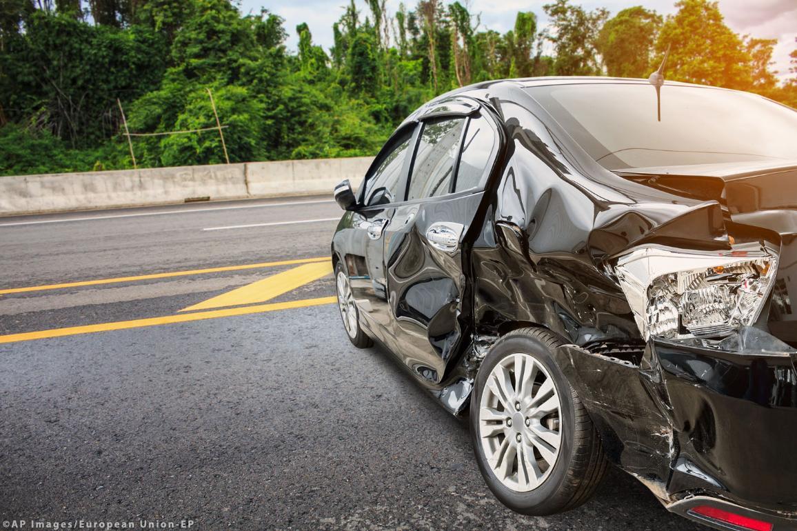 Кола, претърпяла пътно произшествие