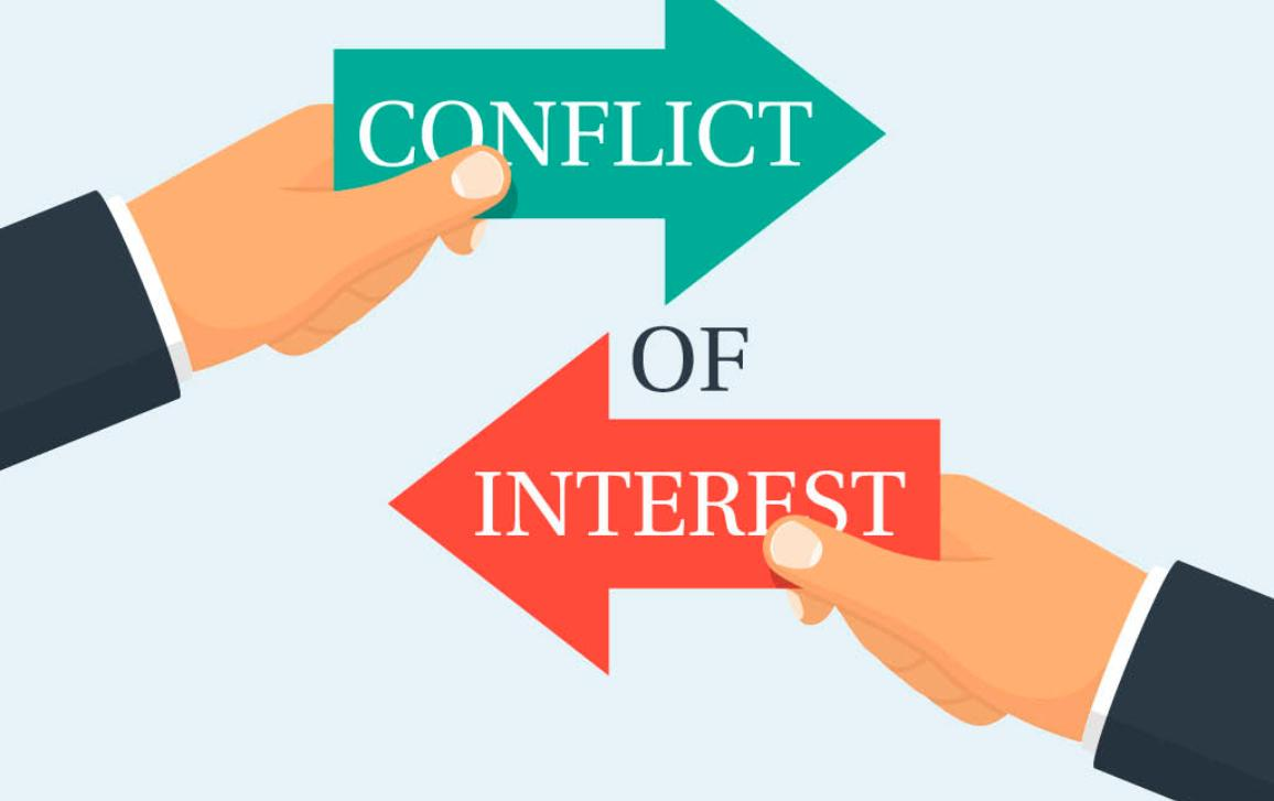 Two businessmen keep the arrows red and green against each other, concept of conflict of interest