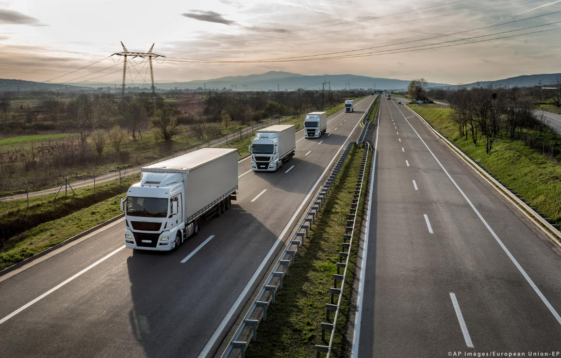 Caravan or convoy of trucks in line on a country highway ©AP Images/European Union-EP