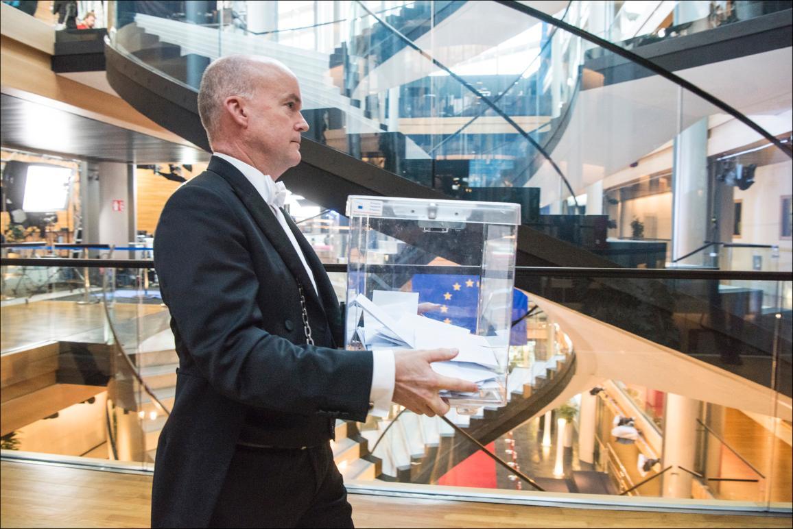 Foto van stembiljetten van de verkiezing van de voorzitter van het Europees Parlement