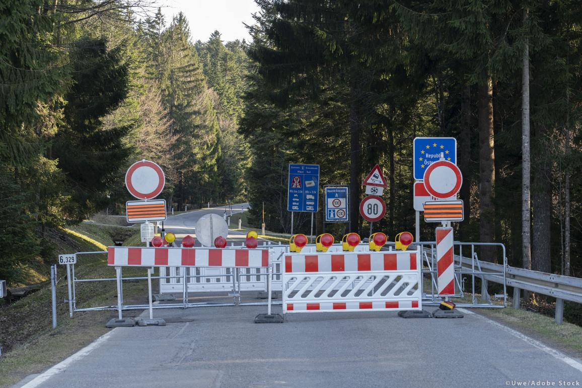 A country roads leading from Germany to Austria was closed down at the border line due to COVID-19 safety measures. ©Uwe/AdobeStock