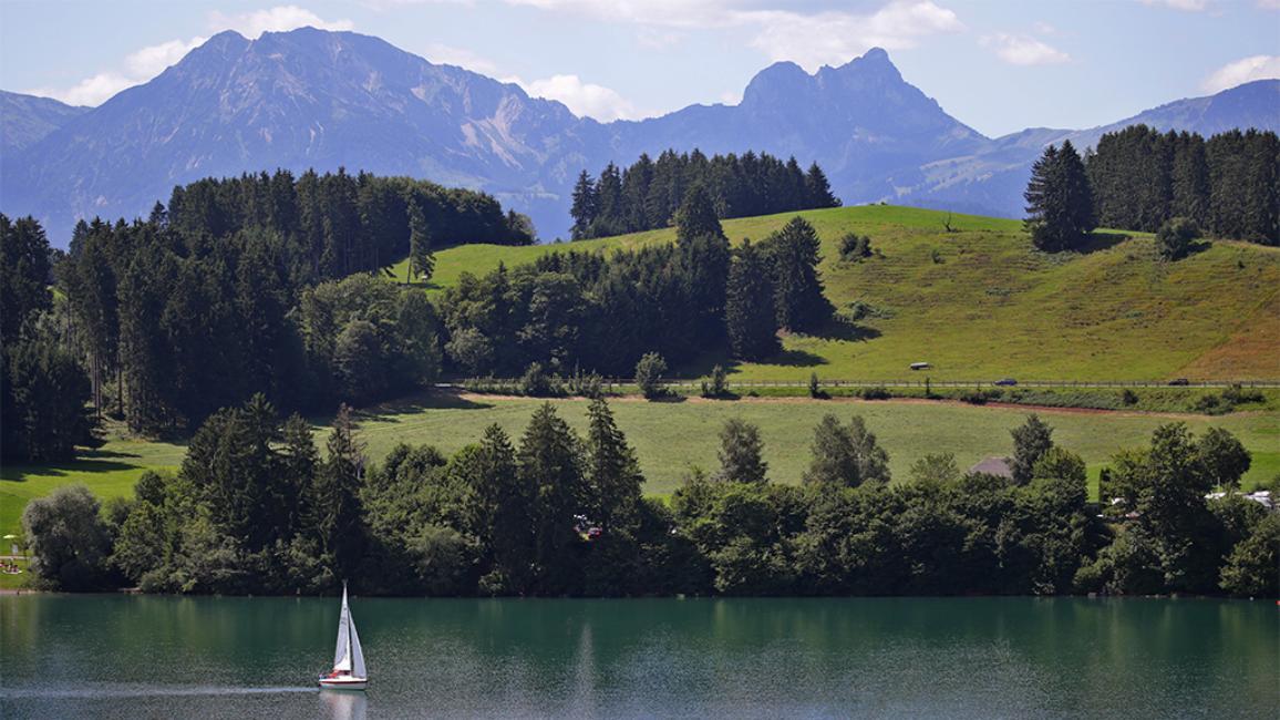 Idylische Landschaftsaufnahme, Bergpanorama im Hintergrund