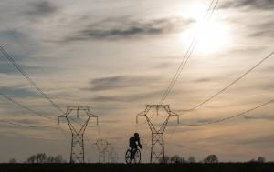 European energy supplies should be secure, diverse but also green. This is why Parliament wants to update trans-European energy network funding guidelines, to fit EU climate goals, in line with the green deal, while ensuring no region is left out.