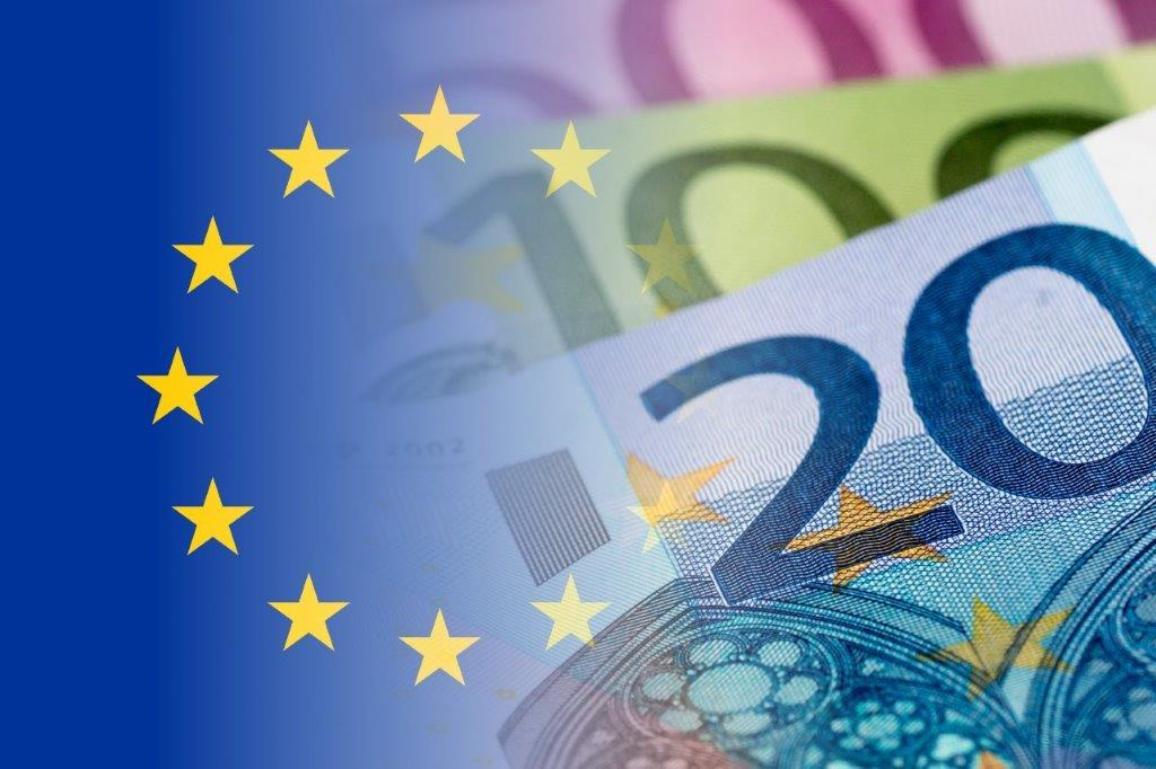 EU flag and bank notes