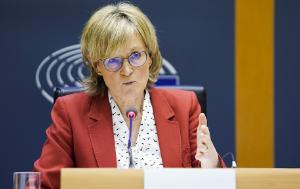 Following the resignation of Trade Commissioner Phil Hogan, Commission President Ursula von der Leyen has reshuffled her team. MEPs held two extraordinary hearings for the posts of Trade and Finance. Mairead McGuinness, who served as Parliament's first vice-president was questioned by the Economic and Monetary Affairs Committee for the finance portfolio. Parliament will have the final say on her appointment.