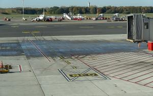 Empty aircraft slot in Bon/Cologne airport runway terminal