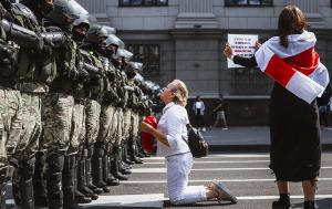 After 26 years under an authoritarian president, the people of Belarus are calling for democracy and freedom. Peaceful weekly demonstrations since the election have been met with brutal repression. The European Parliament awards the 2020 Sakharov Prize for Freedom of Thought to the democratic opposition of Belarus.