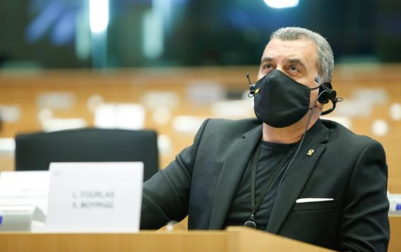 Loucas Fourlas MEP (PPE, Cyprus) speaks about his experience with childhood cancer during a public hearing organised by the Beating Cancer committee