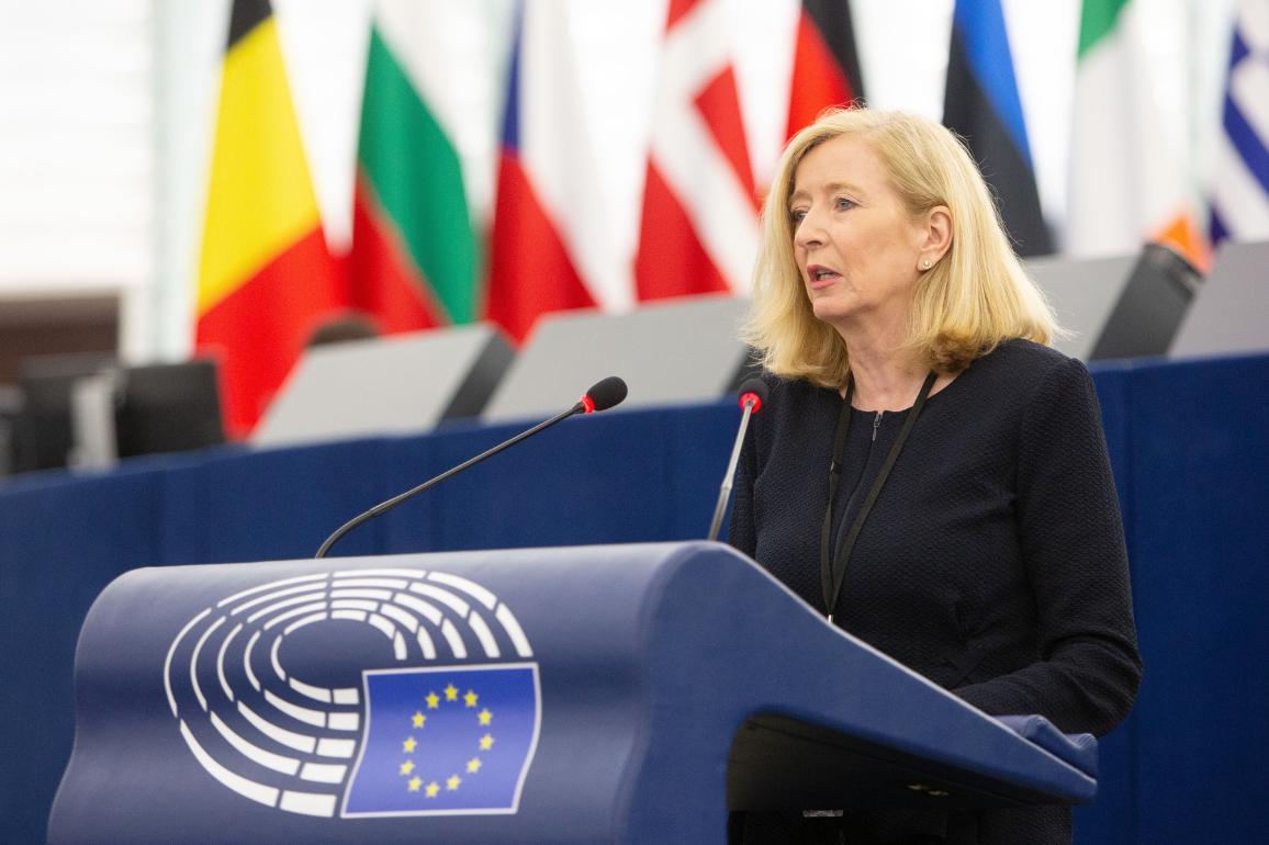 Europos ombudsmenė Emily O'Reilly plenarinės sesijos metu.