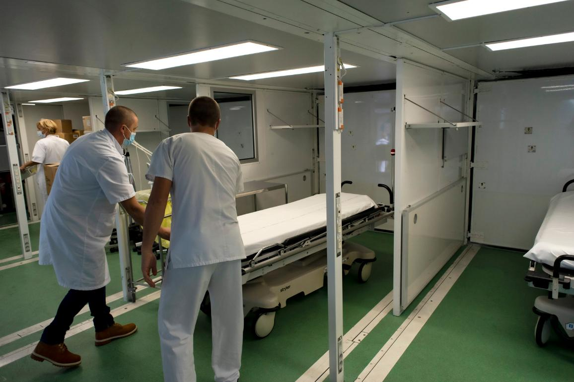 Coronavirus - Setting up of a mobile hospital in France. ©European Union 2021 - EC/Matthieu Rondel