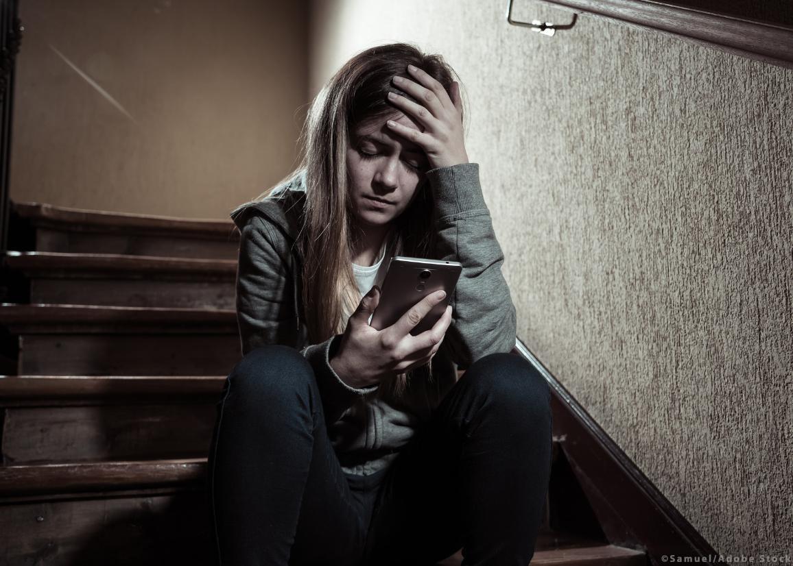 Το ΕΚ ενέκρινε νέους κανόνες για την καταπολέμηση της σεξουαλικής κακοποίησης παιδιών στο διαδύκτυο ©Samuel/AdobeStock