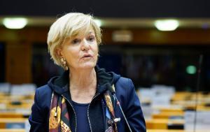 Véronique Trillet-Lenoir speaking in European Parliament plenary meeting room in Brussels