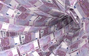 A swirl of money made up of 500 euro bills