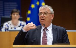 Klaus-Heiner Lehne, President of the European Court of Auditors, speaking with the EU flag in the background