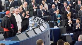 Pope Francis was warmly applauded by MEPs after his 40-minute address to the plenary © EP