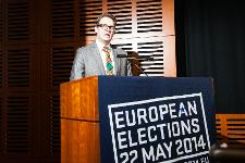 Per Johansson speaking at EU Elections discussion